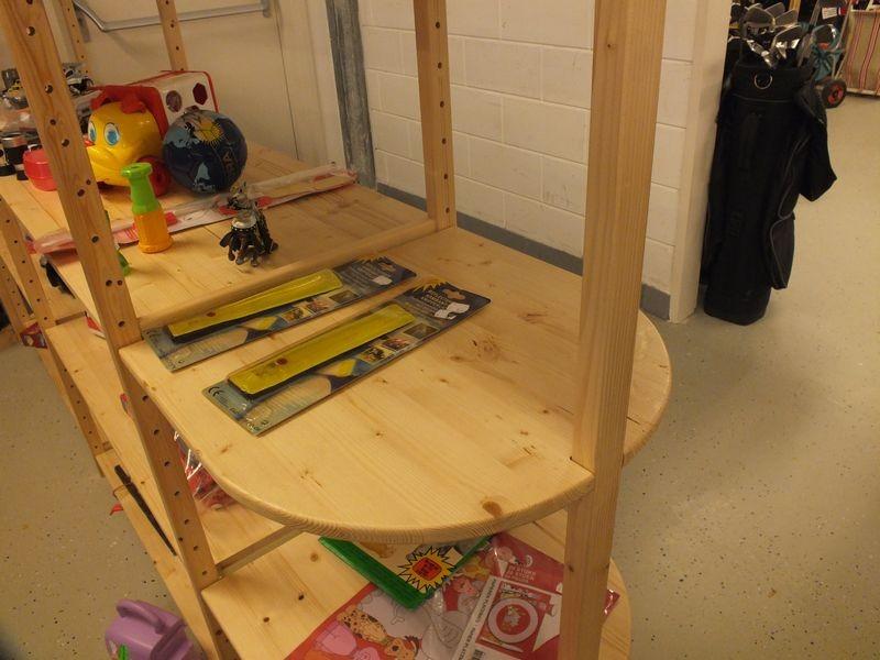 winkelinrichting van hout kringloopwinkel eemnes