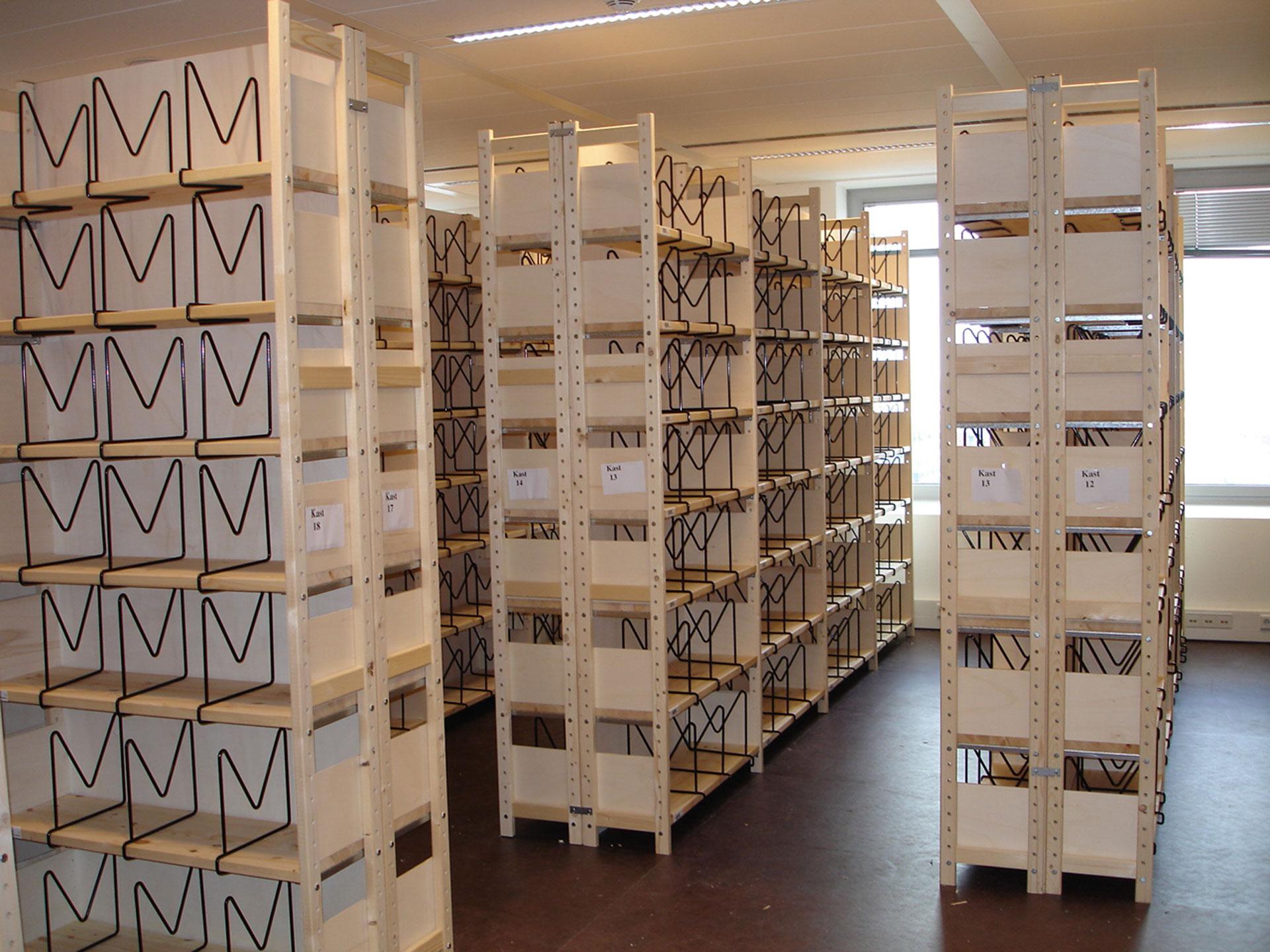 rangerek houten stellingen & rekken